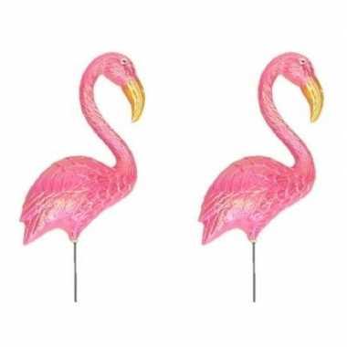 2x stuks dierenbeeld flamingo vogel 60 cm tuinbeeld steker