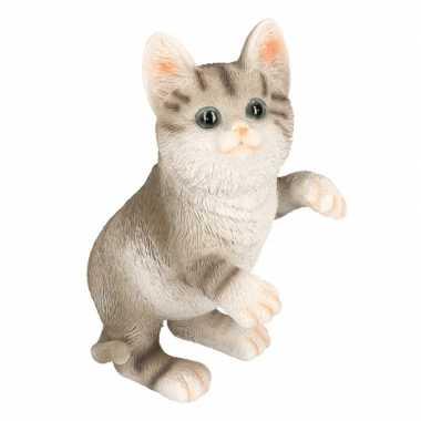 Dierenbeeld kat poes tabby grijs 20 cm